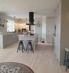 Modern Country, Scandinavian Interior, Kitchen Interior, Cool Kitchens, Sweet Home, Interior Design, Table, Room, House