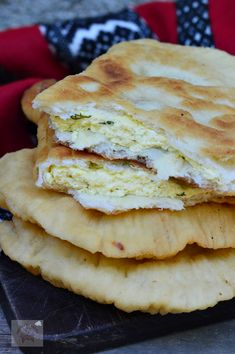 Romanian Food, Yummy Food, Tasty, Pastry And Bakery, Sweet Pastries, Street Food, Food And Drink, Bread, Ethnic Recipes