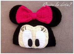 Minnie Mouse crochet hat cant find pattern but im going to wing it Crochet Kids Hats, Crochet Cap, Crochet Beanie, Cute Crochet, Crochet Crafts, Crochet Projects, Knitted Hats, Crochet Character Hats, Crochet Disney