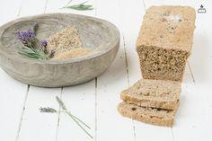 Lavendel Liebling: Es hat einen Hauch von Lavendel und ist durch die Hirse leicht würzig. Das sinnlichste in unserer Brotkollektion!... #Dankebitte-Brot mit #Dinkelvollkorn #Hirseschrot #Sesam #Meersalz #Lavendel... #Brot