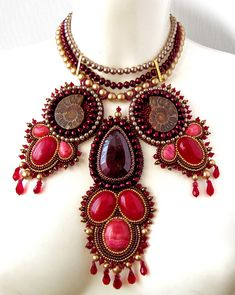 Beautiful beaded jewelry by Galina Bursuk Click on link to see more photos - http://beadsmagic.com/?p=4651
