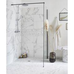 Carrelage mur marbre blanc carrare brillant l.30.5 x L.56 cm, Murano | Leroy Merlin Small Narrow Bathroom, White Marble Bathrooms, London Apartment, Murano, Bathroom Interior Design, Bathroom Inspiration, Bathroom Ideas, Bathroom Renovations, Wardrobe Rack
