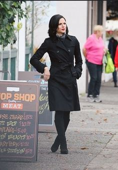 Lana Parrilla on set - October 2014 Regina Mills, Once Upon A Time, Time Do Brasil, Ouat Cast, Swan Queen, Her Majesty The Queen, Woman Crush, On Set, Role Models