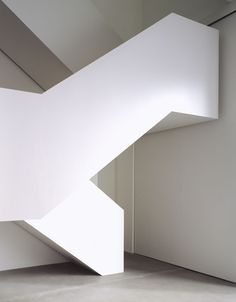 Stair at Gagosian Gallery, Britannia Street by Caruso St John Architects Staircase Handrail, Stair Railing, Staircase Design, Architecture Details, Interior Architecture, Interior Design, Gagosian Gallery, Stair Detail, Modern Stairs