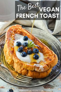 Your brunch dreams are about to come true with THE best Vegan French Toast ever from A Virtual Vegan. It's soft, sweet, vanilla scented, golden perfection, and it has a texture just like french toast made with eggs! This recipe will satisfy all your sweet breakfast and brunch cravings! #vegan #frenchtoast #breakfast #noegg #recipe #brunch #breakfastidea