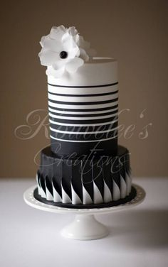 HOW TO - Two Toned Pleats, click the photo for pictorial: Roll two pieces of fondant of different colours and lay them on top of each other.and fold it over to meet the opposite end. Black White Cakes, Black And White Wedding Cake, Black Wedding Cakes, Black Tie, Gorgeous Cakes, Pretty Cakes, Cute Cakes, Fondant Cakes, Cupcake Cakes