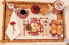 Um café da manhã no Dia dos Namorados para começar o dia cheio de carinho! Decoration, Tablescapes, Bows, Entertaining, Holiday Decor, Ethnic Recipes, Home Decor, Romance, Vogue