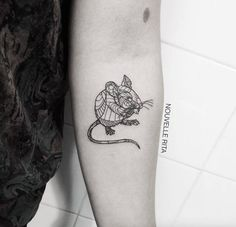 tiny animal tattoos | Artistic Animal Tattoos – Fubiz Media