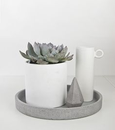 Concrete Round Tray Grey