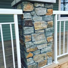 Shamrock stone venner Country Builders, Home Builders, Stone Pillars, Construction, Outdoor Decor, Building, Stone Columns