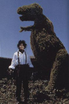 Edward Scissorhands (Johnny Depp) nos presenta su arte Iconic Movies, Good Movies, 90s Movies, Classic Horror Movies, Horror Films, Arte Tim Burton, Burton Burton, The Lone Ranger, Film Aesthetic