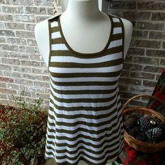 Michael Kors Sleeveless Knit 56% linen, 44% cotton. NWT. Hi/low style. Super cute. Michael Kors Tops