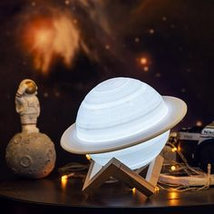 Saturn Lamp - 16 Colors Remote / 13 CM