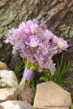 Lilac colored wedding bouquet if color scheme is purples and gold. If not white and glitter palette