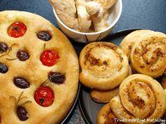 Focaccia, pestosnurrer og grisini - TRINEs MATBLOGG Bread Baking, Muffin, Rolls, Breakfast, Baking, Morning Coffee, Bread Rolls, Buns, Muffins
