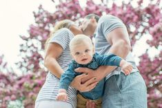 Family Picture Pose Ideas with One Child