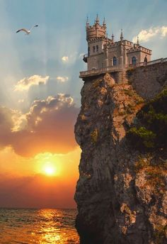 Swallow's+Nest+Castle,+Crimea.jpg (458×668)