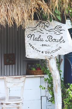 If you're headed to Bali, check out my Bali vegan food guide. I share my 3 favorite vegan restraunts in Bali, plus tips for what to order. Lombok, Bali Baby, Bali Holidays, Beste Hotels, Gili Island, Beach Bars, Tropical Vibes, Bali Travel, Ultimate Travel