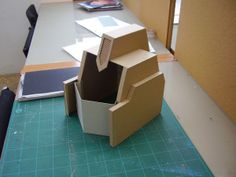 In the same way as the prop i am now constructing from packing cardboard a life-size (well 7 foot ish) prop of the transformers leader Optimus Prime . How To Makr, Robot Costumes, Halloween Costumes, Transformer Birthday, Transformers Optimus Prime, Ideas Para, Design, Star Lord, Robots