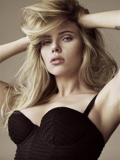 Scarlette Johansson- absolutely gorgeous.
