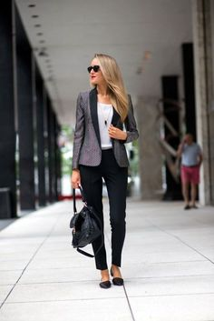 Figure hugging dress is yet another great choice to make from several others Casual Work Outfits Ideas 2016. Incredible combination for professionalism is black and grey that mostly women prefer wearing.