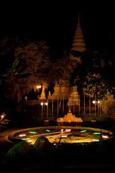 Wat Phnom of Phnom Penh by night