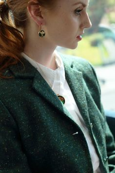 The 'Salt & Pepper' weave is known as one of the first Donegal Tweed patterns to be made. It has distinct flecks of colour running through the fabric to give it a pop of colour #donegaltweed #tweedjacket #wool #tweed #irishfashion #wearingirish Tweed Coat, Tweed Jacket, Irish Hat, Irish Fashion, Color Pop, Colour, Irish Traditions, Tweed Fabric, Flat Cap