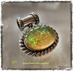 Silver pendant with synthetic opal - www.flearoom.fi