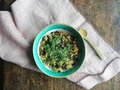 Eine fantastische Alternative zum süßen Morgenbrei ist das Miso Porridge, das Kraft, Energie und Ausgeglichenheit spendet. Doch was ist Miso überhaupt?