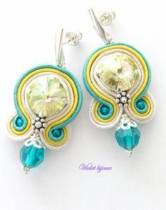 Helene soutache earrings by Violetbijoux Soutache Bracelet, Soutache Jewelry, Beaded Earrings, Beaded Jewelry, Handmade Necklaces, Handmade Jewelry, Unique Jewelry, Soutache Tutorial, Polymer Clay Charms