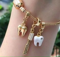 Uploaded by Evelyn. Find images and videos about bracelet, teeth and Dentista on We Heart It - the app to get lost in what you love. Dental Assistant Study, Dental Hygiene School, Dental Life, Dental Art, Dental Humor, Dental Hygienist, Dental Quotes, Teeth Health, Oral Health