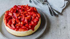 Bakt ostekake med jordbærtopping
