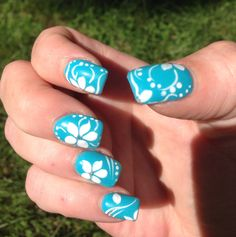 Blue and white flower nail art design