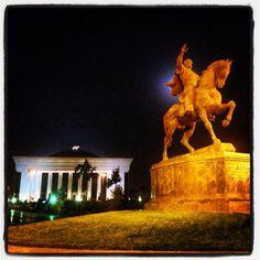 Monumento dedicato a Tamerlano a Tashkent, la Capitale dell'Uzbekistan. Photo by Riccardo Negro