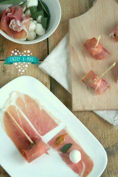 Hapje van ham en mozzarella (warm of koud), salie vervangen door basilicum (x)