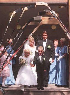 Teemu selanne and his bride. Ducks Hockey, Ice Hockey, Hockey Rules, Anaheim Ducks, Love Actually, Hockey Players, Celebrity Weddings, Finland, Addiction