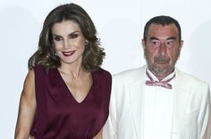 Queen Letizia of Spain and Spanish director Jose Luis Garci attend the 'Mariano de Cavia', 'Luca de Tena' and 'Mingote' Journalism awards on October 26, 2017 in Madrid, Spain.
