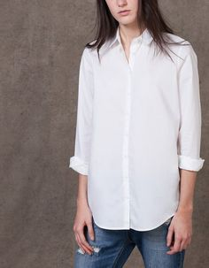 At Stradivarius you'll find 1 Boy fit shirt for woman for just 2290 RSD . Visit now to discover this and more CLOTHING.
