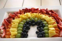 ¡Espectacular postre de arcoíris hecho con frutas!