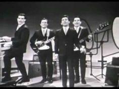 Sherry Baby 1962 Frankie Valli Four Seasons Remix RetroDan - Hedi 60s Music, Music Songs, Music Videos, The Jersey Boys Movie, Frankie Valli, Movies For Boys, American Bandstand, Nostalgia, Cinema