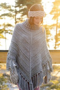 Free Pattern for a Women's Knitted Poncho. Skill Level: Intermediate The poncho is knitted top down in the round using Novita Isoveli yarn. The polo neck is knitted last from the neckline up. Free Pattern More Patterns Like This! Outlander Knitting Patterns, Poncho Knitting Patterns, Knitted Poncho, Knitting Socks, Free Knitting, Grey Poncho, Hooded Poncho, Sweater Patterns, Knit Cardigan