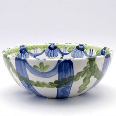 Alle Schüsseln der Familie VertBleu! Die Grün-Blaue Designfamilie von Unikat-Keramik. Das wohl einzigartigste Keramik Geschirr der Welt! Serving Bowls, Decorative Bowls, Tableware, Design, Home Decor, Blue Green, Dishes, World, Dinnerware