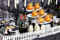 Haunted Mansion Graveyard Halloween Table - plus FREE printables from TheHopeless Housewife.com! #Halloween #party