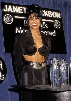1990 — JANET JACKSON 💠 Janet was a big winner at the 1st ever BBMAs • She also was a big source of fitspo (look. at. those. abs) | 📸: Ron Galella/WireImage Janet Jackson 90s, Jo Jackson, Jackson Family, Michael Jackson, Beautiful Black Women, Amazing Women, Louis Imagines, 5sos Imagines, 1d Day