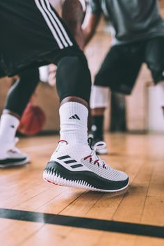 buy online e8bce 14cf9 adidas Basketball Damian Lillard Dame 4. The Latest Sneakers