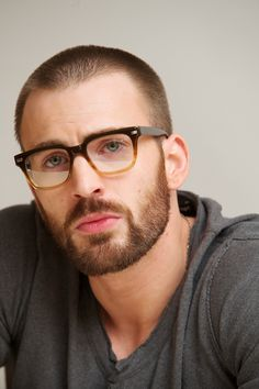 7 of The Best Chris Evans Beard Styles for 2020 Mens Glasses Frames, Cool Glasses, Glasses Man, Eye Glasses, Men With Glasses, Glass Frames For Men, Men Eyeglasses, Attractive Men, Beard Styles