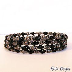 Memory Wire Bracelets, Handmade Bracelets, Handmade Jewelry, Beaded Bracelets, Polymer Clay Magnet, Clay Magnets, Beaded Jewelry Patterns, Beading Patterns, Diy Bracelet Storage