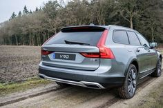 Volvo V90 Cross Country (2017) Mmmm, now that's what you call a beautiful ass...