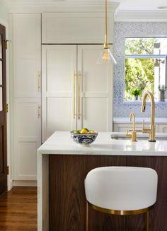 Jill Sorensen-Live Like You | Design Obsession – Waterfall Kitchen island | http://jillsorensen.com/livelikeyou