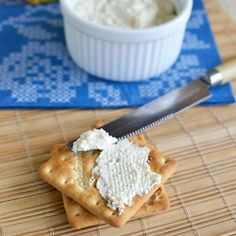 Homemade Cream Cheese Recipe with just 3 ingredients - Make it at home and save tons of money!